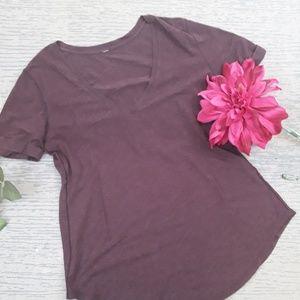 Lululemon maroon v neck cuffed short sleeved top
